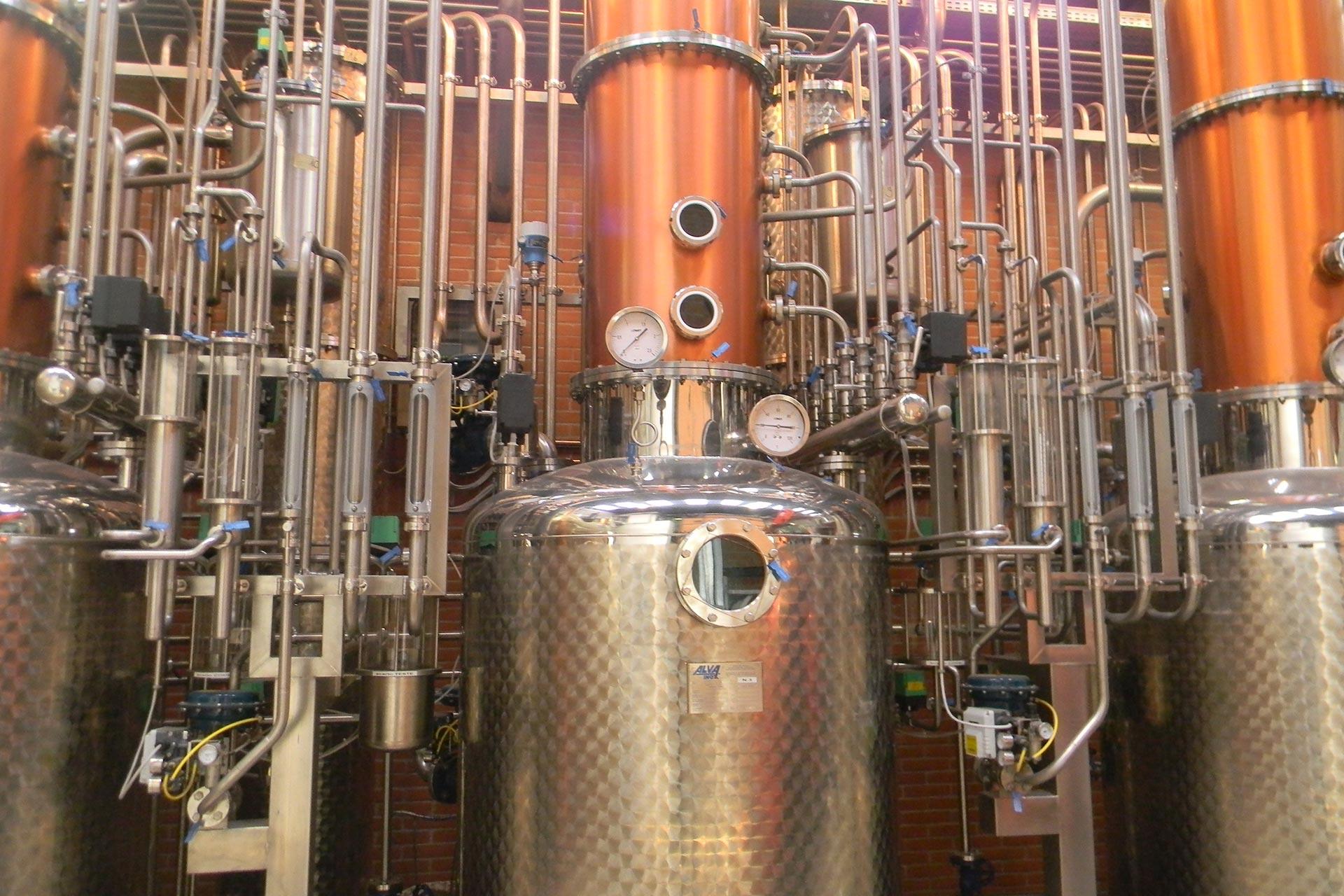 DISTILLAZIONE---Impianto-di-distillazione-discontinuo-(2)