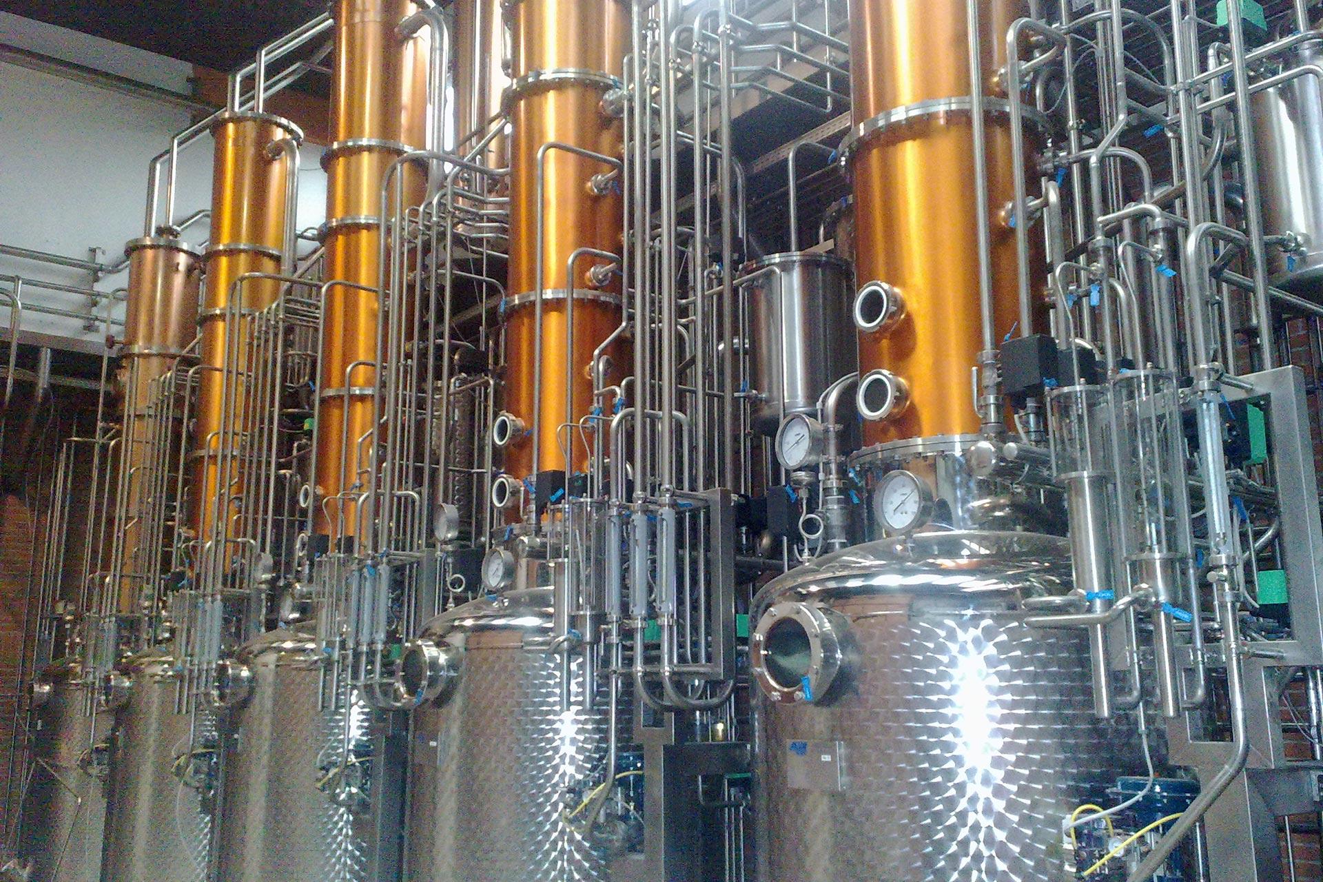 DISTILLAZIONE---Impianto-di-distillazione-discontinuo